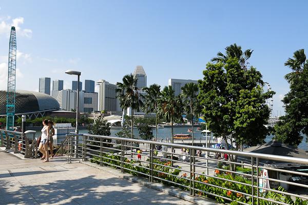 La promenade au centre de Singapour