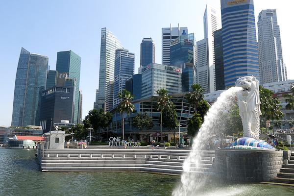 Le Merlion et les gratte-ciels de Singapour