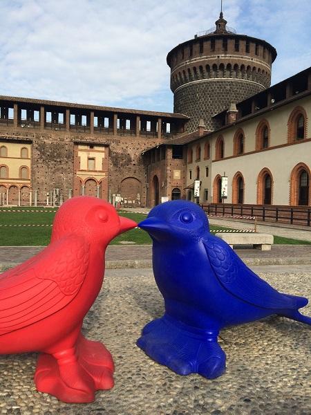 OIseaux devant le château - Art de rue - Milan, Italie