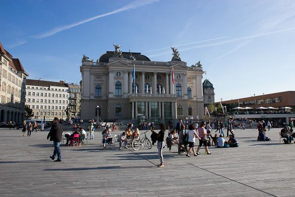 Place principale, hôtel de ville - Zurich, Suisse
