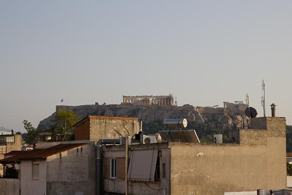 Première vue de l'Acropole - City Circus Hostel Athènes