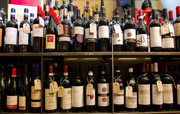 Sélection de vins du restaurant Lalimentari, Bergamo, Lombardie, Italie