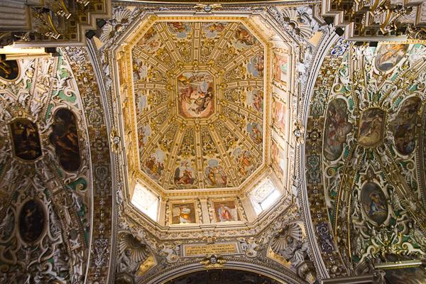 intérieur de Basilica di Santa Maria Maggiore - Bergamo, Lombardie, Italie