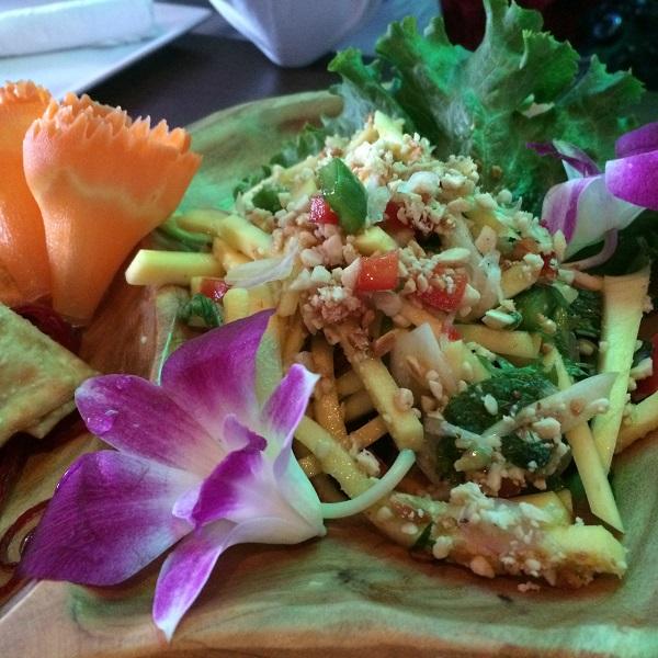 Salade thai - Restaurant Kiyomi Centropolis, Laval