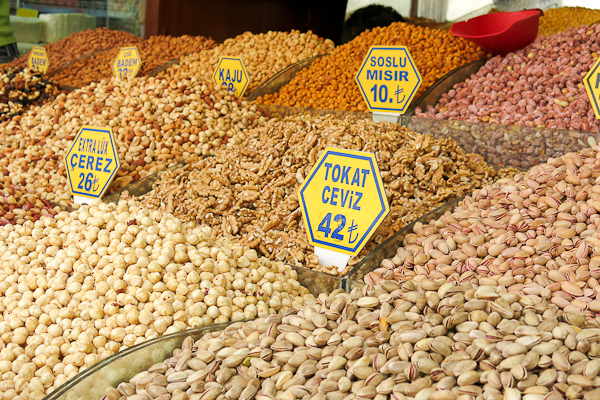 Des noix et encore des noix - Istanbul, Turquie