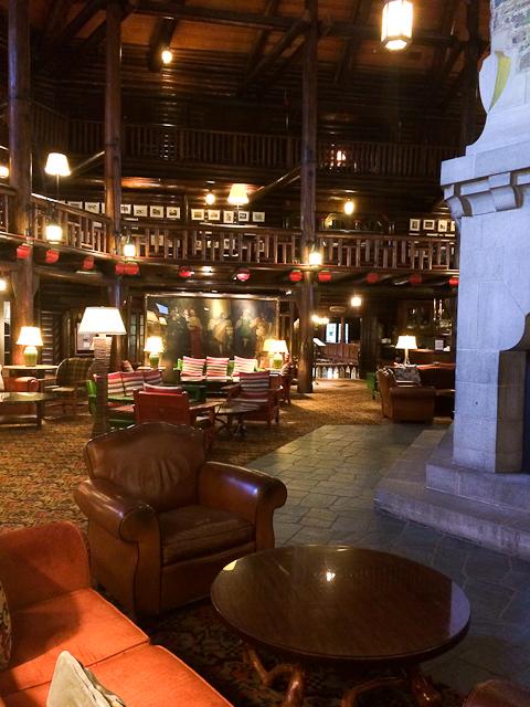 Foyer lounge - Fairmont Château Montebello
