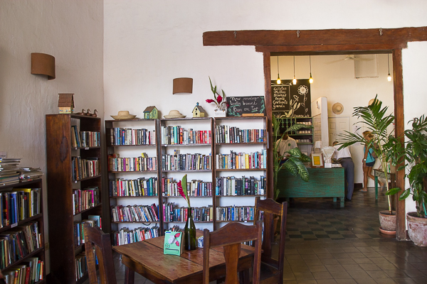 Bibliothèque du The Garden Café, Granada, Nicaragua