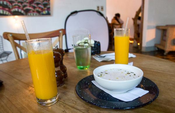 Bol d'ajo blanco du Espressionnista Café, Granada, Nicaragua