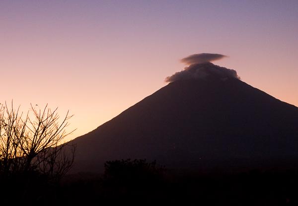 Coucher de soleil sur le volcan Concepcion vu de El Encanto, Ometepe, Nicaragua
