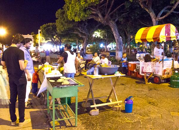 Parque Central de Granada - Street food et kiosques, Nicaragua