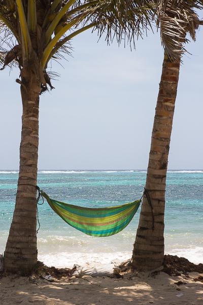Spot parfait pour une siesta devant la mer - Little Corn Island, Nicaragua