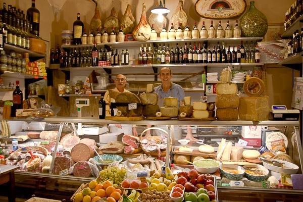 Fiers propriétaires - Alimentari Uffizi - Florence, Toscane, Italie