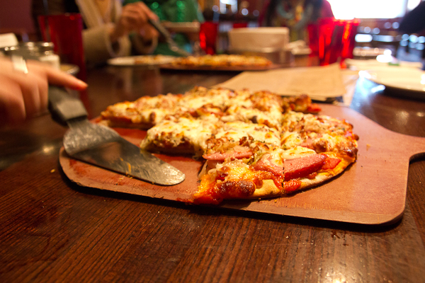 Flo & Santo's - Chicago Pizza Tours
