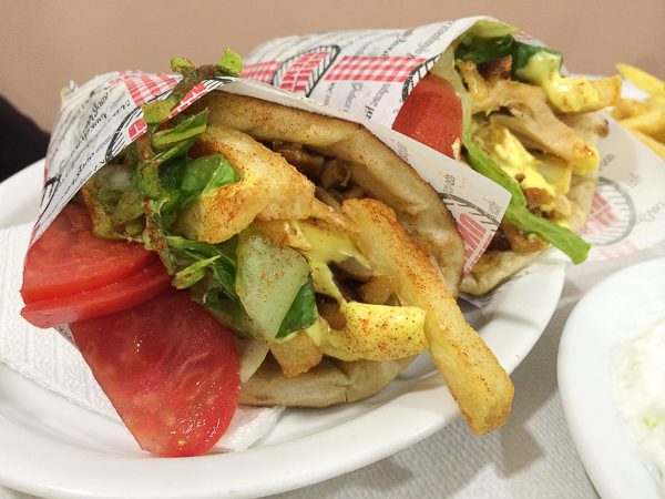 gyro (sandwich) avec frites