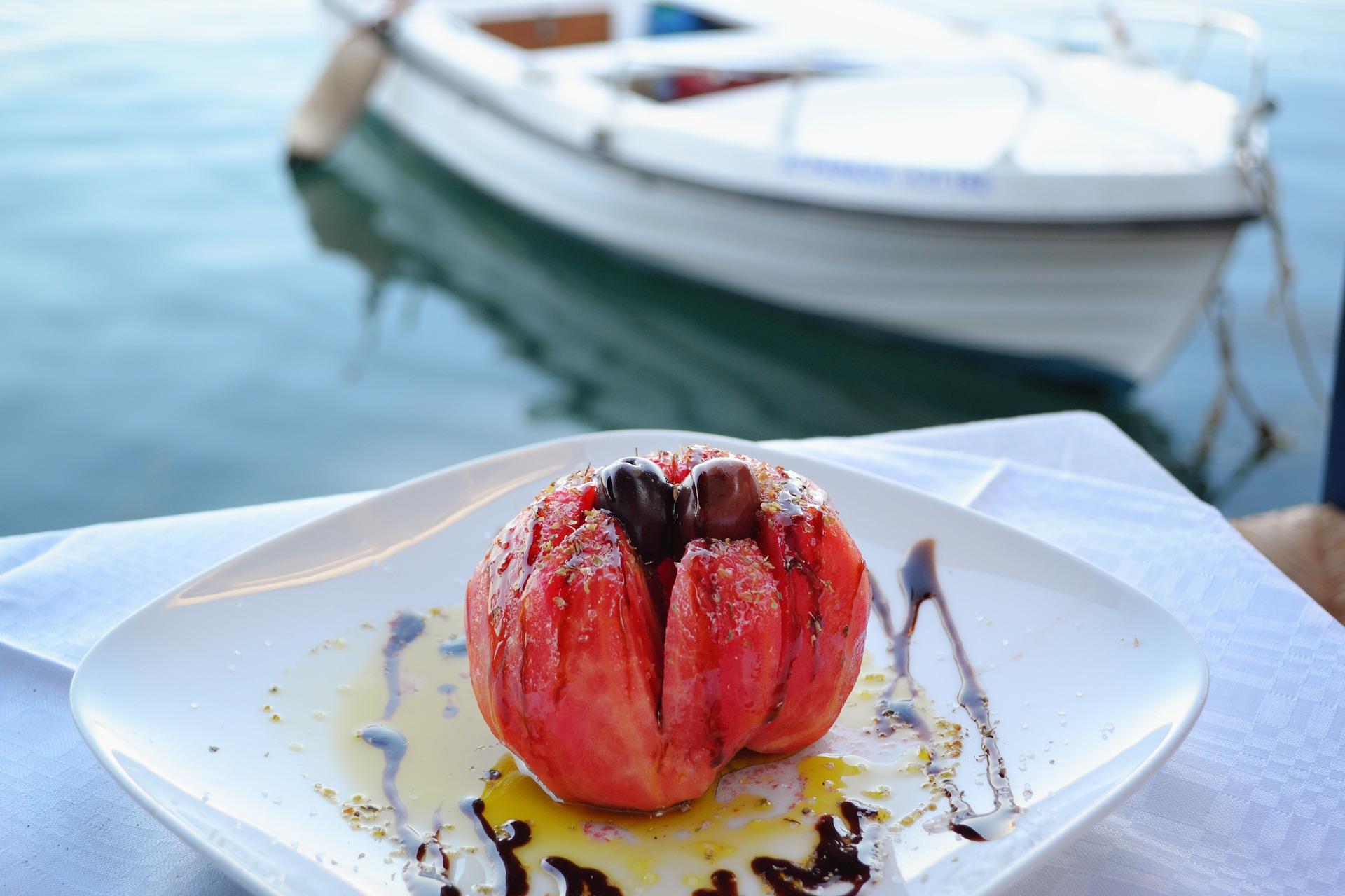 Salade de tomates grecque - DanaTentis de Pixabay