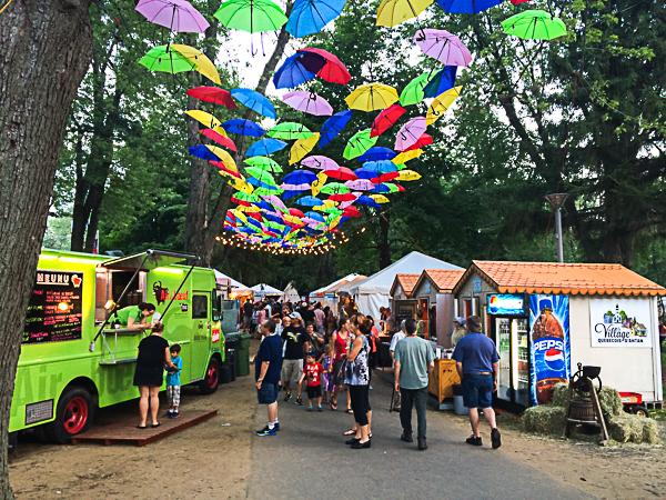 Allée des food trucks - Mondial des Cultures de Drummondville