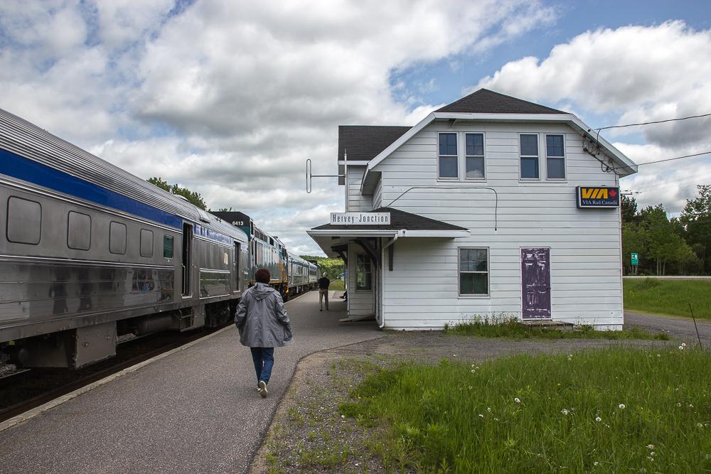 Arrêt à Hervey-Jonction - Train pour l'Abitibi-Témiscamingue