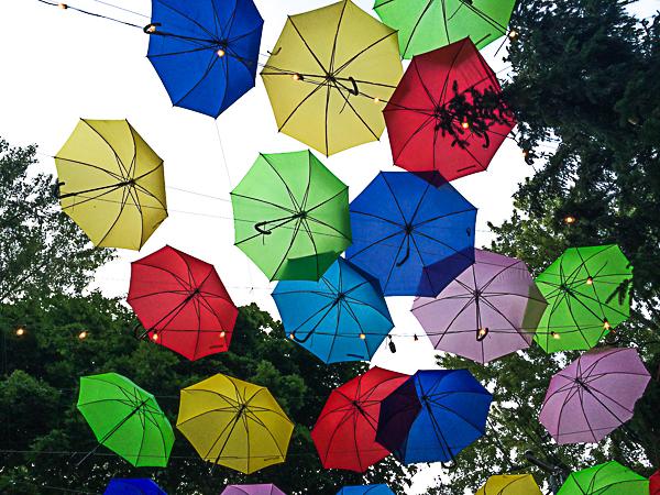 Parapluies colorés - Mondial des Cultures de Drummondville
