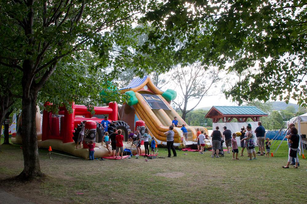 Les jeux pour enfants à la Foire Brayonne - Edmundston, Nouveau-Brunswick
