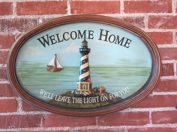Bienvenue - Tibbetts Point Lighthouse - Hostelling International - Cape Vincent, New York, United States