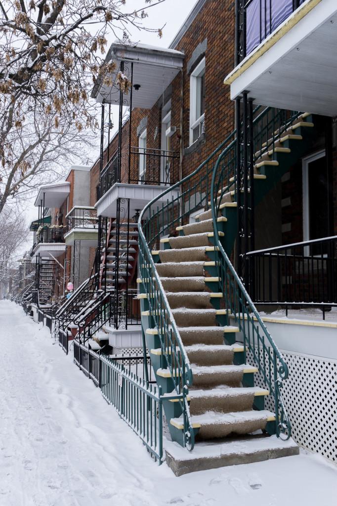 Les escaliers classiques de Villeray - Montréal, Québec, Canada-7