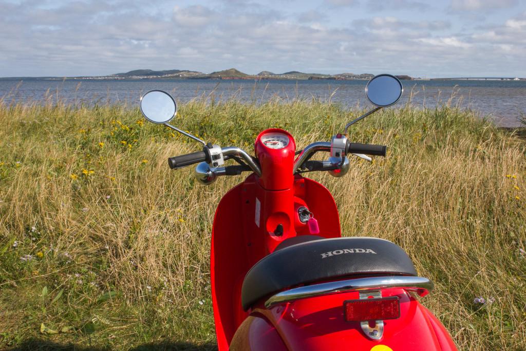 Scooter aux iles de la Madeleine