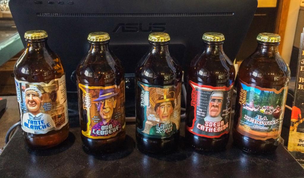Bouteilles de biere de la microbrasserie du Petit-Sault dEdmundston