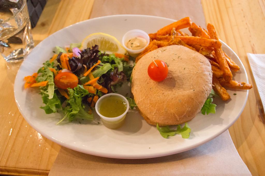 Burger - Bistro St-Benoit