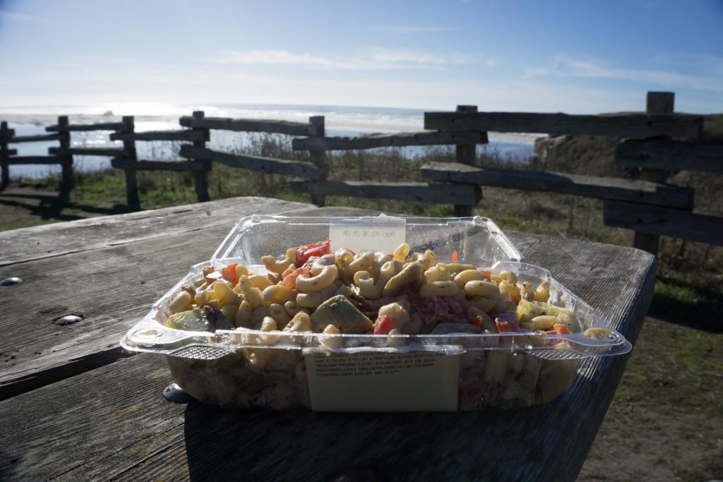 Un exemple de salade que nous cuisinions sur la route!