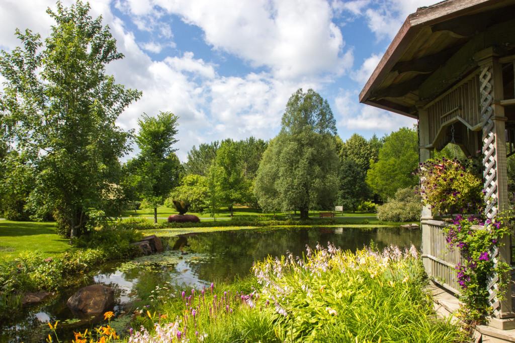 Petit lac du Jardin botanique dEdmundston