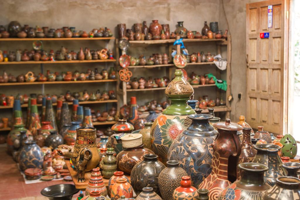 Boutique de poterie - San Juan del Oriente dans les Pueblos Blancos