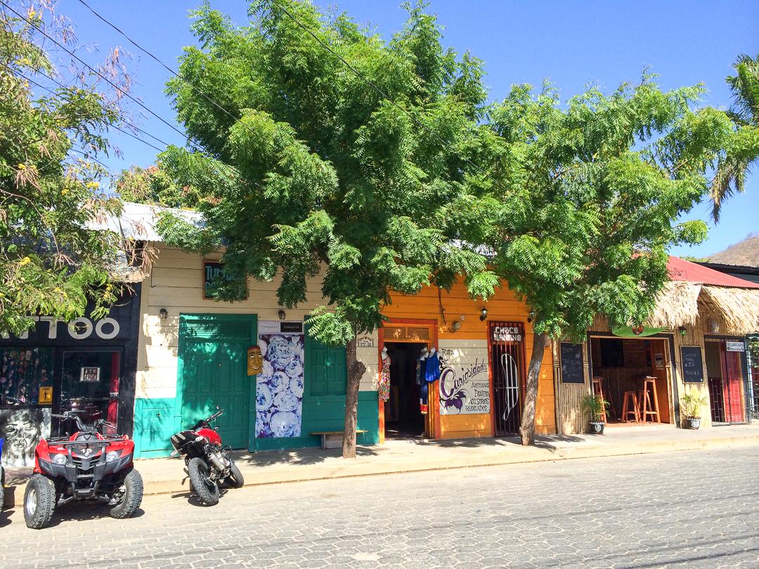 Boutiques colorees de San Juan del Sur