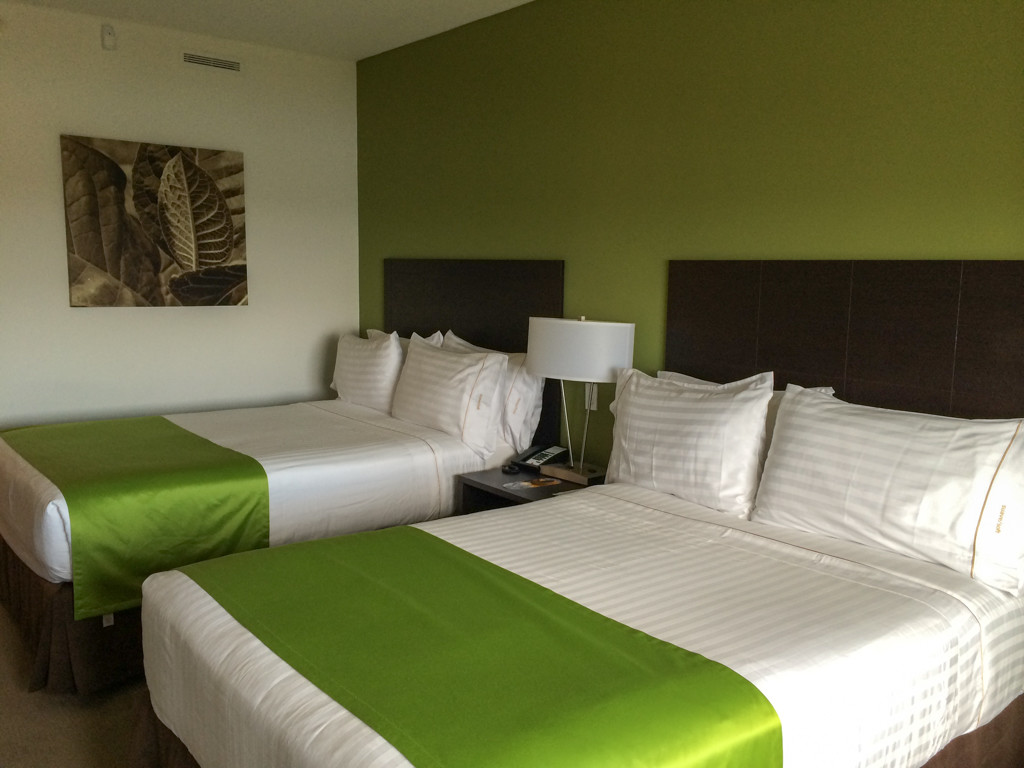 Nos lits - Managua — Holiday Inn Express