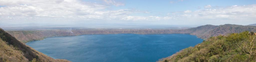 Panorama de la Laguna de Apoyo vu de Catarina