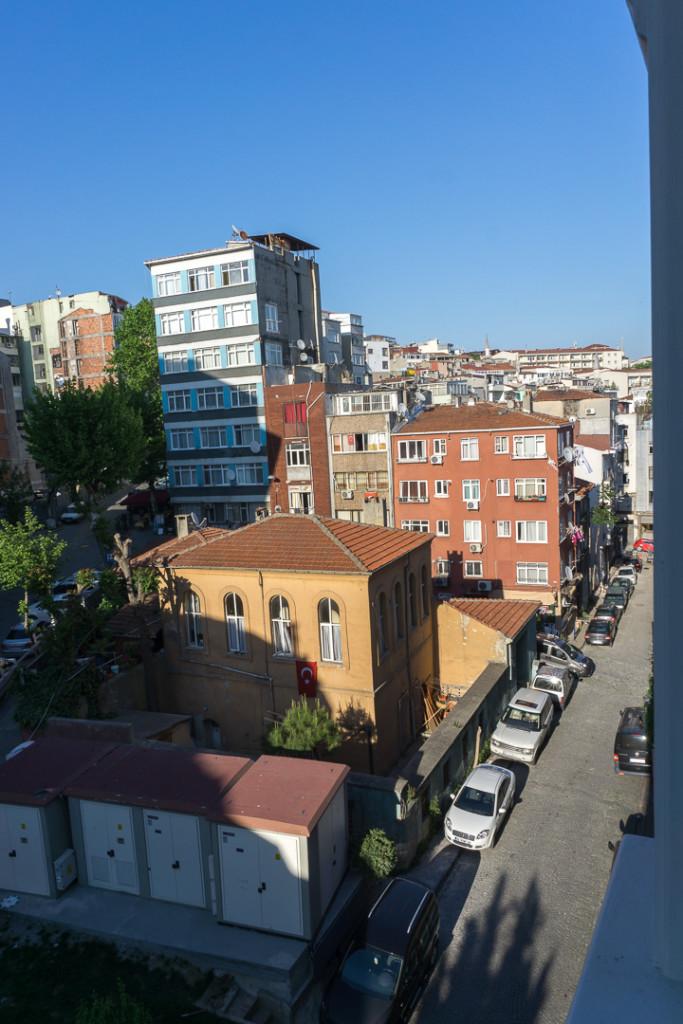 Rue vue de ma chambre au Grand Yavuz Istanbul