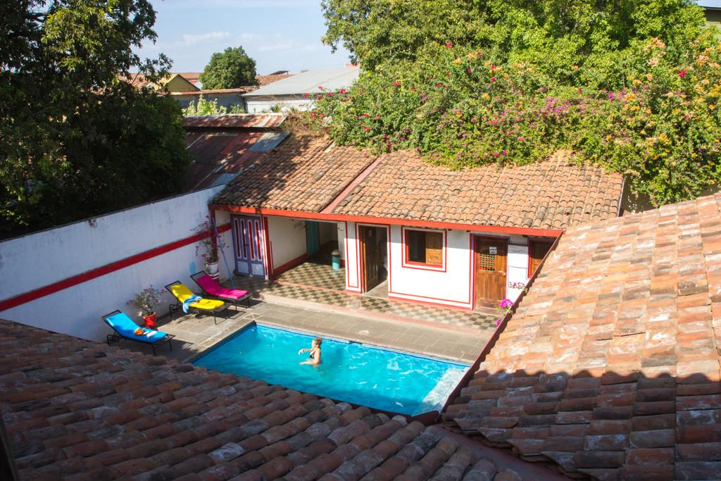 Vue du balcon -Leon - Nicaragua - Hostal Lazybones