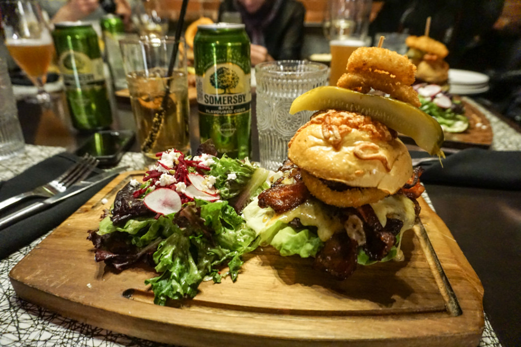 Burger de fou - The Brickhouse PEI