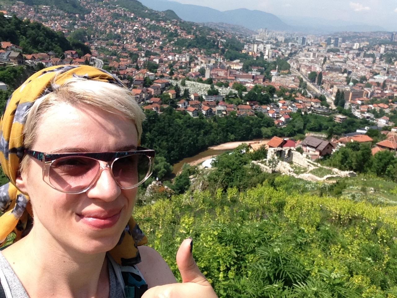 Sarajevo, remontée à la forteresse Vratnik - Égoportrait de la ville qui penche dangeureusement