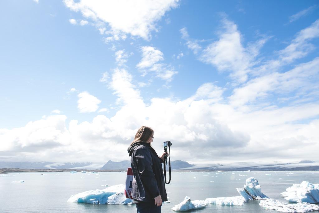 Jennifer à Jökulsarlon en Islande