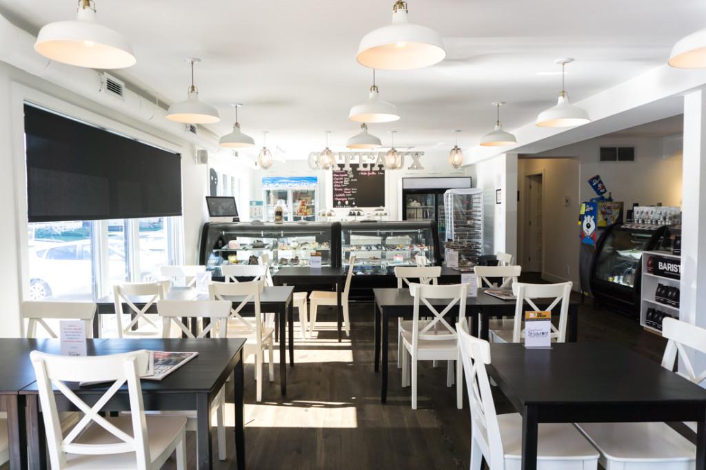 Salle à manger du café Simplement St-Laurent du Vieux-Beloeil