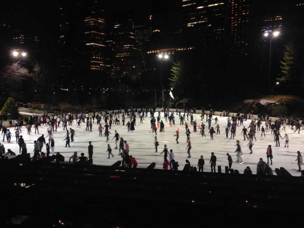 La grande patinoire de Noël de New York