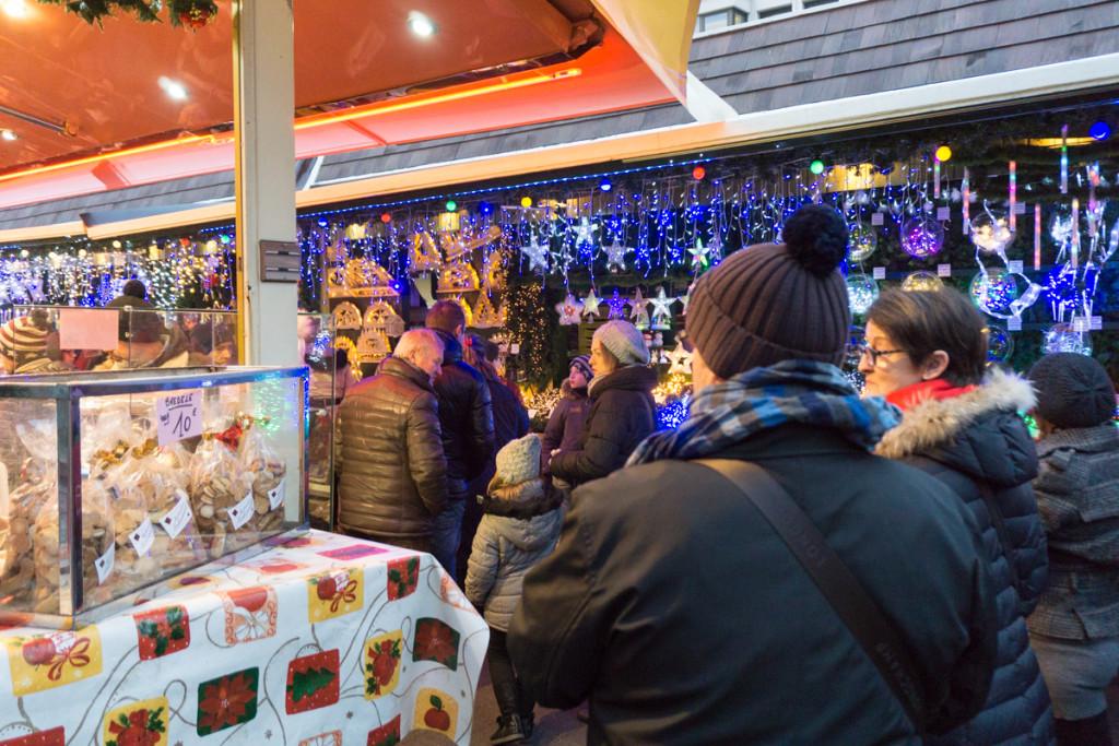 Allées au marché de Noël de Strasbourg, France