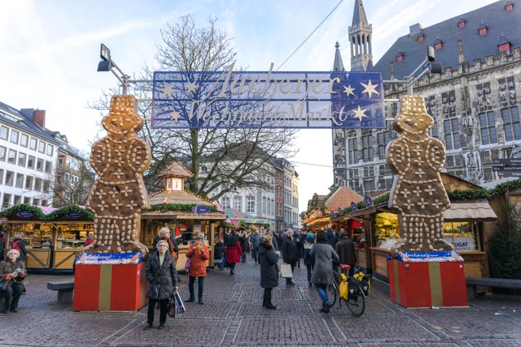 Entrée du marché de Noël allemagne à Aachen, Allemagne