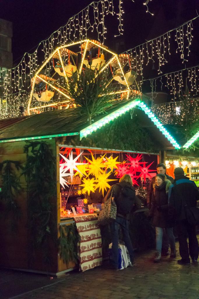 Grande roue au marché de Noël de Freiburg im Breisgau, Allemagne