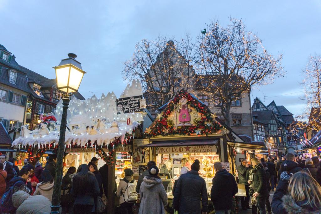 Kiosques du marché de Noël alsacien de Colmar