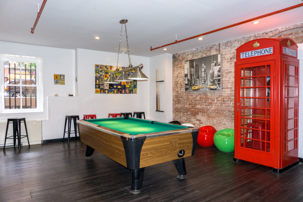 Salle de billard Hostelling International NYC