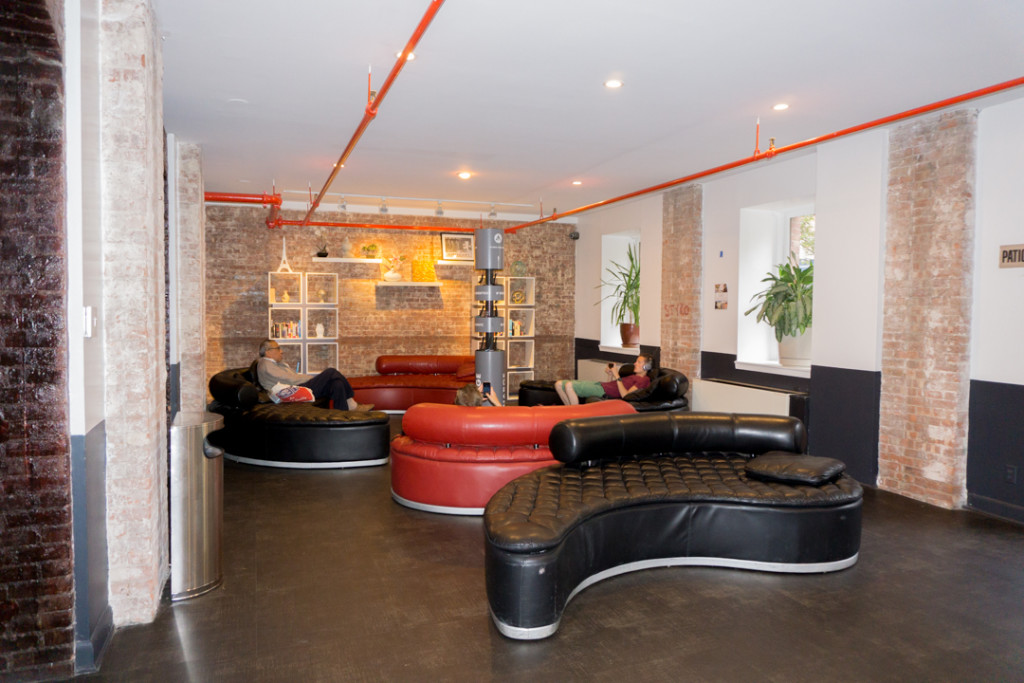 Salon-lounge HI New York City