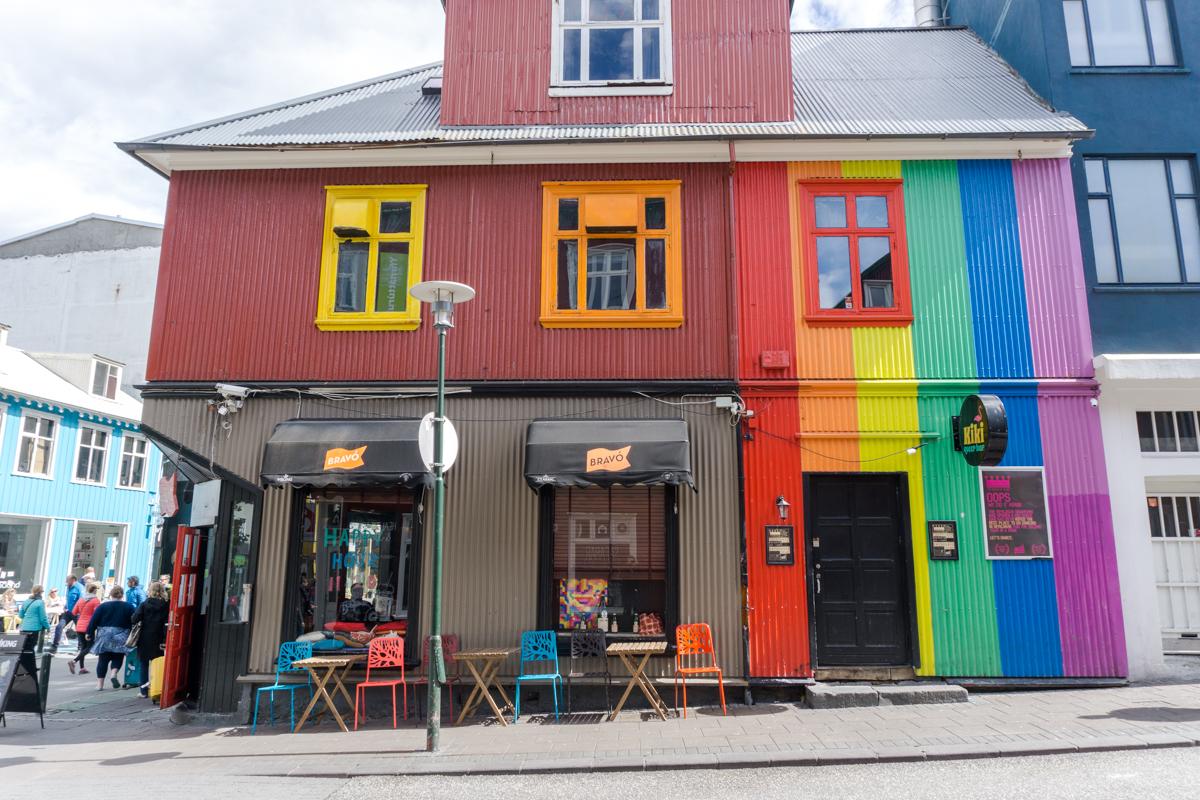 Bravo, un bar coloré où sortir à Reykjavik ou boire un verre