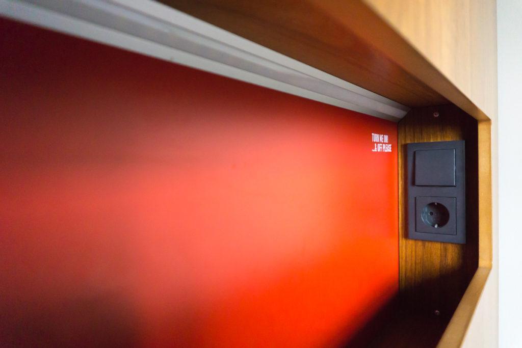 Prises personnelles dans le dortoir de l'auberge de jeunesse de Reykjavik