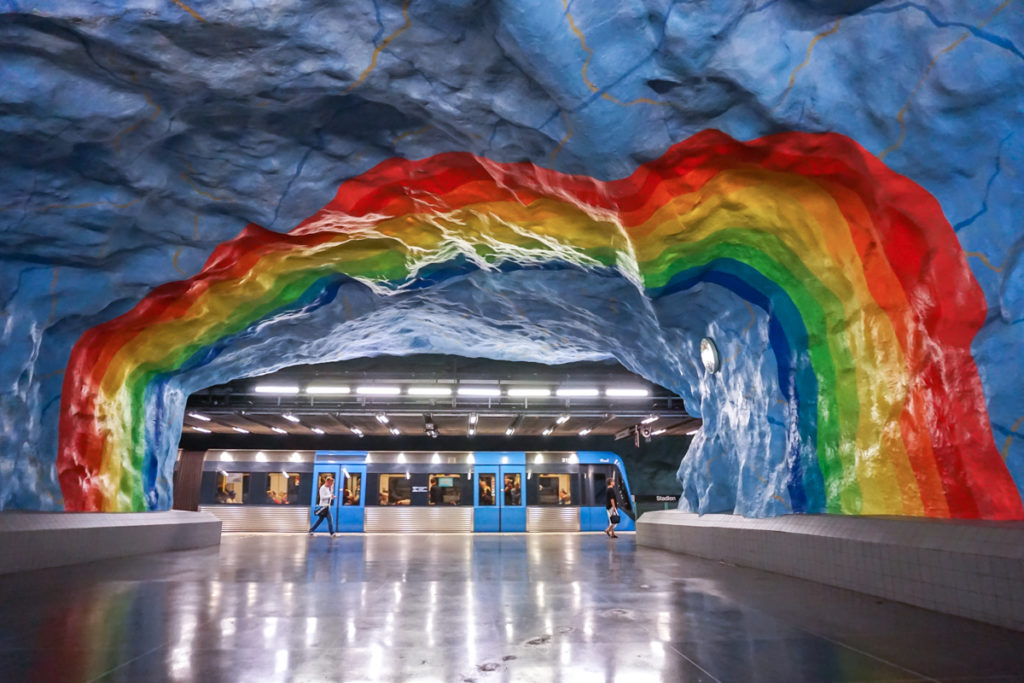 Galerie d'art dans le métro de Stockholm en Suède - Station Stadion
